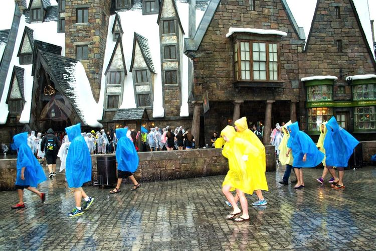 How's The Weather Today? Enjoying Life Everyday Joy Harry Potter Orlando Florida USA Walk This Way Arhitecture Amazing Architecture The Tourist Vacations Rain Rainy Days Vacation Time Tourists Tourism People Vacation Wizard Rainy Day