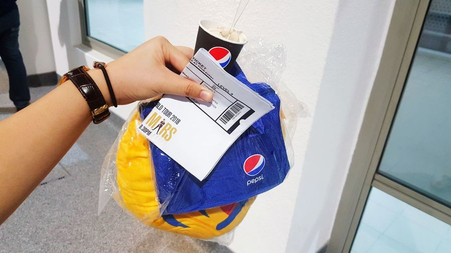 Blue for Pepsi Pepsi Emoji Brunomars 24kmagicworldtour 2018 Adventures In The City Close-up