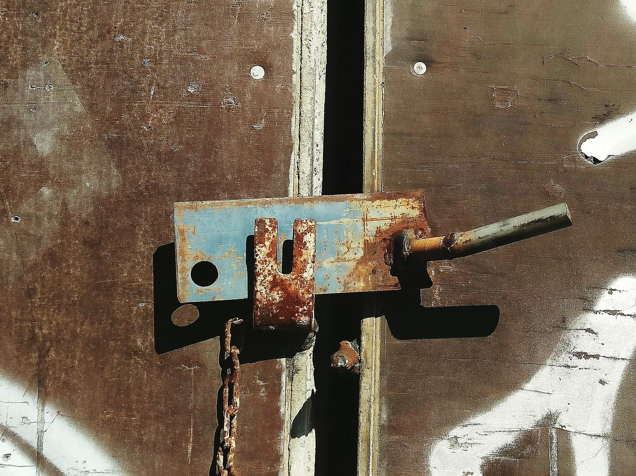 metal, rusty, no people, door, day, close-up, outdoors, latch