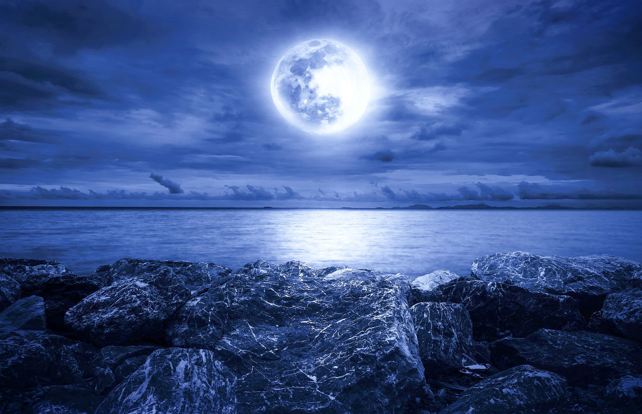 sea, nature, moon, tranquil scene, cloud - sky, beauty in nature, horizon over water, scenics, sky, water, tranquility, idyllic, outdoors, no people, day, astronomy