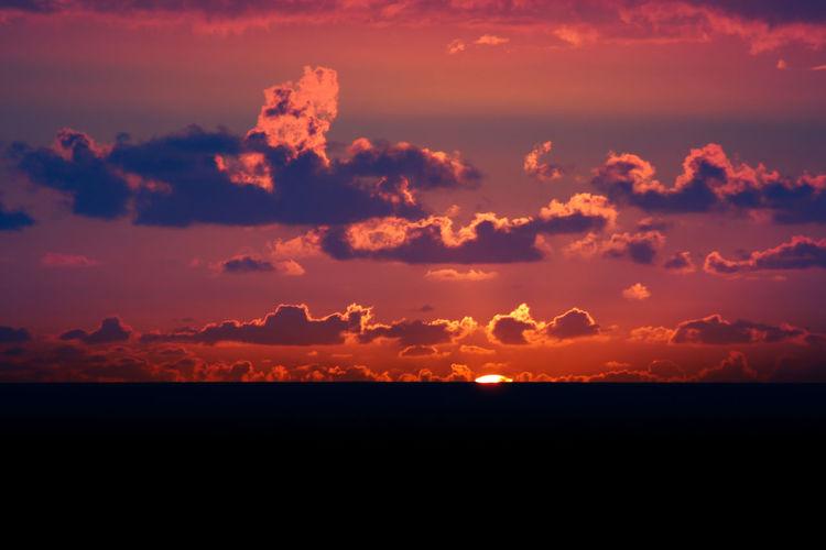 Etang-salee Beauty In Nature Cloud - Sky Dusk Etang Salé Horizon Idyllic Landscape Le Gouffre Nature No People Outdoors Pradisiac Scenics Silhouette Sky Sun Sunset Tranquil Scene Tranquility