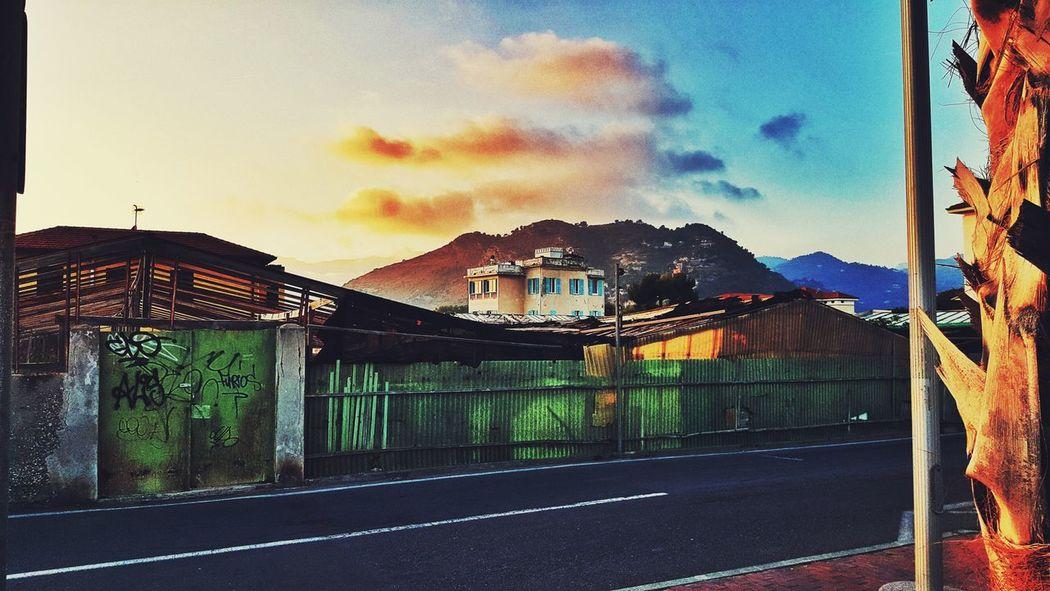 EyeAmNewHere Streetphotography Sunset Neighborhood Vallecrosia Italy