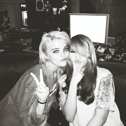 i love em, they r my biggest inspiration. sky with cl in yg building and i got this pic from their instagram CL Skyferreira