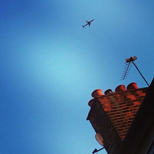 a british view Sky Flight Whatshegonnalooklikewithachimneyonher
