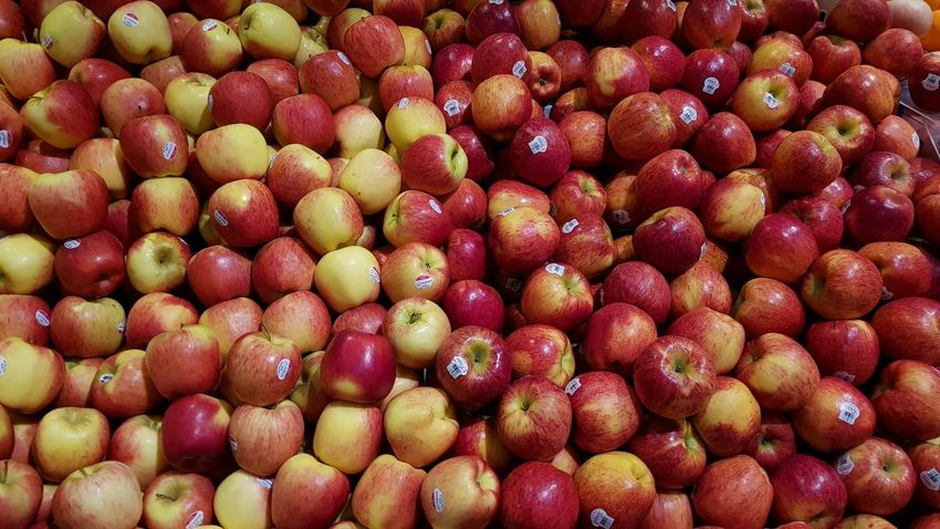 Fruit Healthy Eating Red Freshness Food And Drink Full Frame Apples Apple - Fruit Food Abundance Large Group Of Objects Backgrounds No People Market Day Close-up Nature Indoors