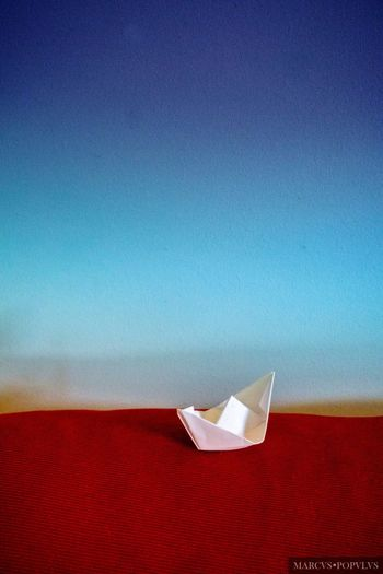 Título: Aquarius welcome. Autor: Marcus Populus Cámara: SONY ILCE 6000 Punto F: f/5.6 Tiempo de exposición: 1/160s Velocidad ISO: 3200 Distancia focal: 50mm Creativity No People Paper Boat
