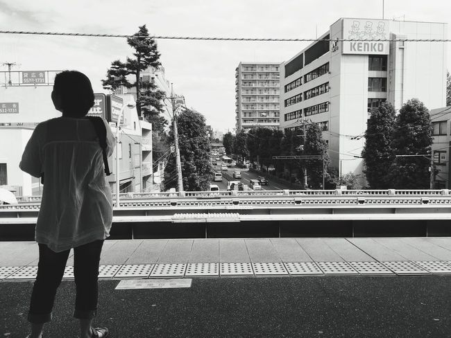 The Week On EyeEm Waiting For A Train Inokashira LINE In The Morning Blackandwhite IPhoneography Station Women The Scenery That Tom Saw Tomの見た世界 Japan Photography