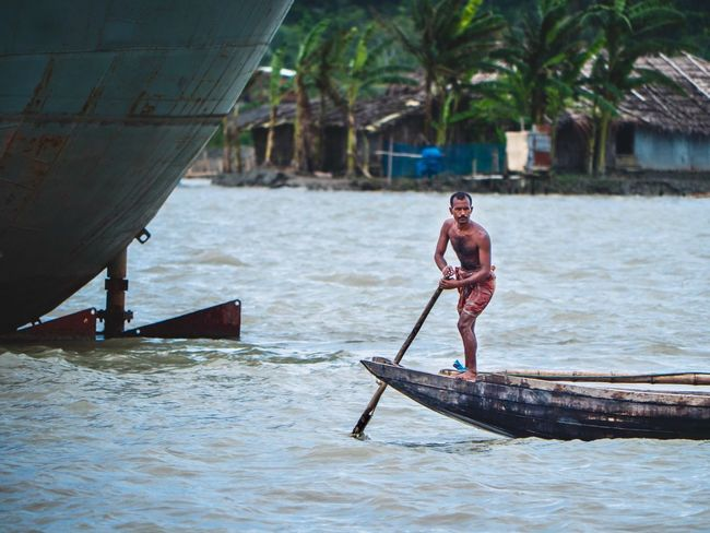 Boat Tribe Riverside Bangladesh 🇧🇩 Bangladesh Bangladeshi Backwaters Fisherman Boats Fisherman Boat Water One Person Real People Men Nautical Vessel Day Nature Mid Adult Full Length Transportation Sea Lifestyles Adult Males  Mid Adult Men Waterfront Leisure Activity Oar Outdoors Fisherman EyeEmNewHere