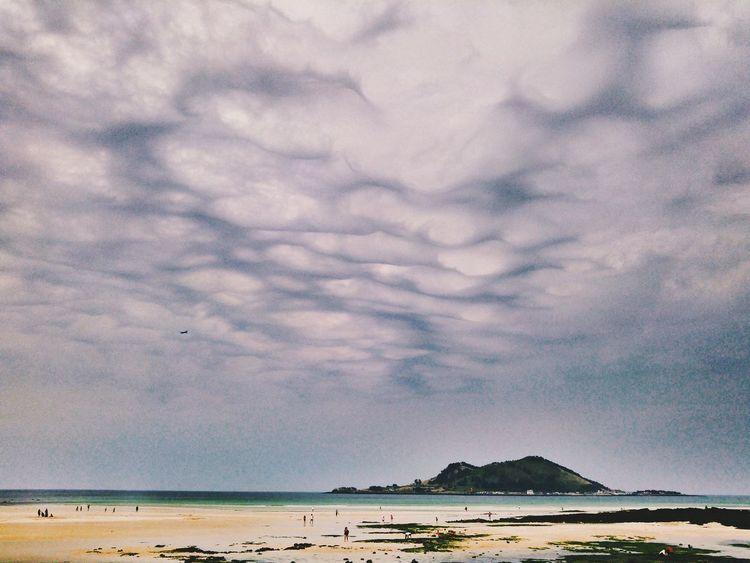 My Favorite Photo Mysterious Sky Jejuisland Jeju_korea Phontograph Mobilephotography Tuburkis