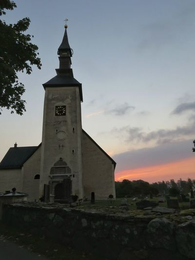 Architecture Sky History Outdoors Local Landmark Church Morning Sky Morning Light Commuting Cycling