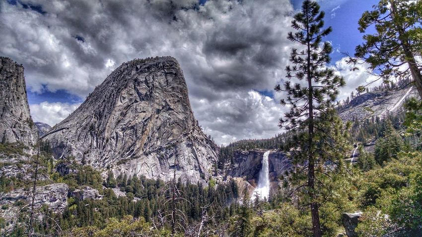 Nevada Fall, I think it's a love affair. :) Nature Sky Low Angle View Tree Beauty In Nature Outdoors Day Cloud - Sky No People Freshness The Great Outdoors - 2017 EyeEm Awards ChasingWaterfalls Flowing Water Waterfall_collection Yosemite National Park