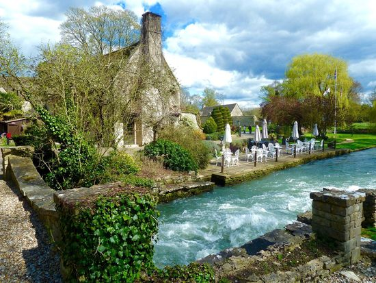 Old Swan & Minster Mill Cotswolds English Countryside River