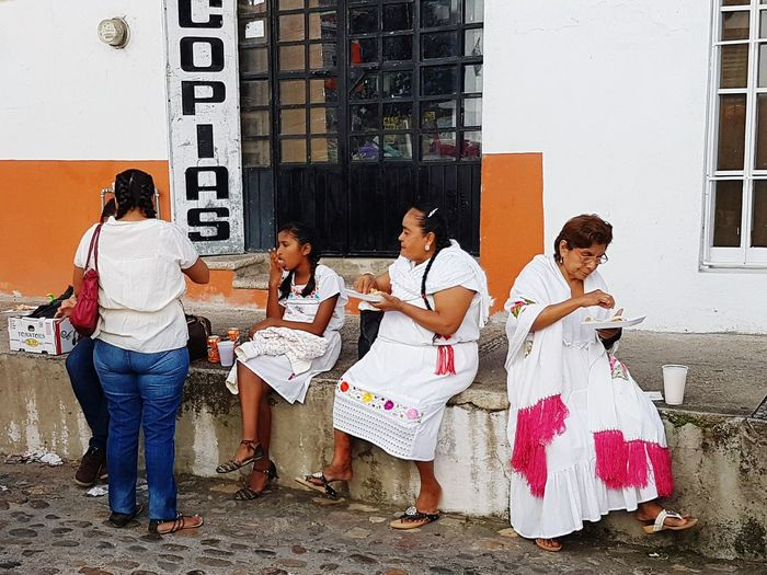 Togetherness Community Friendship Samsungphotography Honest Life Mobile Photography Project Mobile Artistry Mobile Streetphotography Mobileglobalshooters Mobileart Mexican Life  Samsunggalaxys7 Organicphotography Mexican Life  Still Life Photography Nophotoshop Streetphotography RealMEXICO Simple Things In Life Bonding Community
