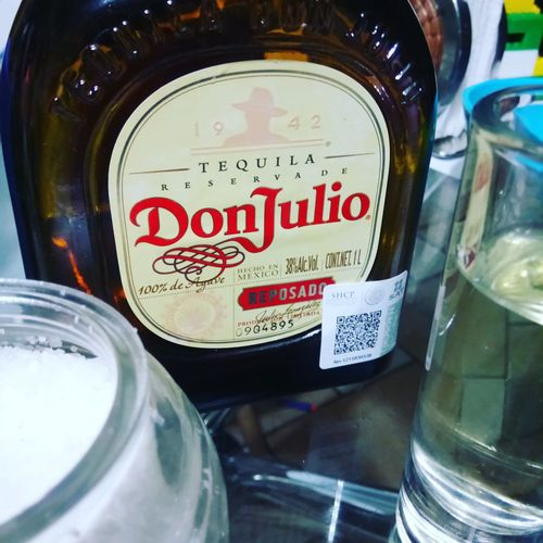 Pal frío Don Julio Cdmx Glass Tequila Time Tequila Shots Tequila! Text Western Script Communication Indoors  Shades Of Winter