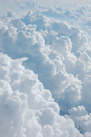 Sur Un Nuage Dreaming i wanth a escape