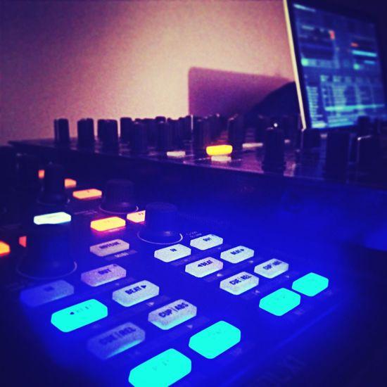 Beats on!! I Love Techno