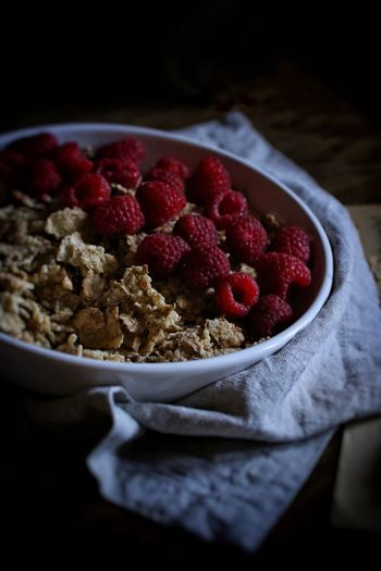 Food And Drink Foodporn Food EyeEm Best Shots EyeEmNewHere Bowl Food And Drink Freshness Healthy Eating Breakfast Fruit Raspberry Sweet Food
