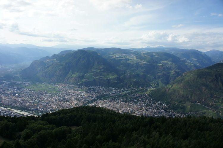 Bozen Bolzano Bolzano - Bozen Berg und Tal Schöne Aussicht