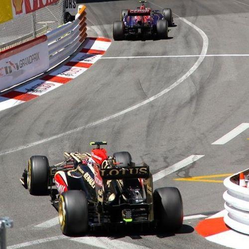Racing Watching Formula 1 Racetrack Grand Prix
