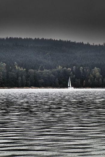 Lipno Travelphotography Czech Republic Travel Photography Boat Traveler Lake Landscape_Collection