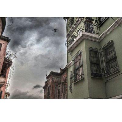 Street_photo_istanbul Kurbagafotograf Desafio_creative Loves_hdr best_streetview ig_troya ist_instagram ig_pesuport hergununfotograf sokaktahayatzoomthelife zamanakarsi bir_dakika benimgozumden bestmyfoto foto_turkig_sanliurfa objektifimdenig_mood