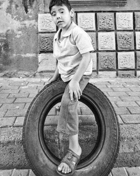 🚗... Bwphoto Blackandwhite Bw Blackandwhitephotography Bwphotography Bnw Bnw_life Bw_lover Bnw_captures Balat Bnwphoto Instadaily Blackandwhitephoto Children Ig_captures Nature Siyahbeyaz Bnw_addicted Portrait Bwsquare Photo Street Bw_photooftheday Photoplaytr Streetphoto insta_bw inspiration bnwhisperers photoshoot streetphotography