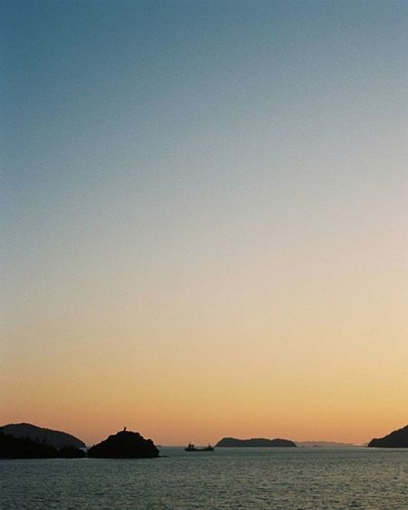 Ektar100 Kodakfilm Ektar Olympuspeneed Film Filmphotography Filmcamera Halfsizecamera Kodak Sky オリンパスペンEED フィルム写真普及委員会 フィルム写真 フィルムに恋してる フィルム ふぃるむカメラ フィルム部 ハーフサイズカメラ 写真好きな人と繋がりたい ファインダー越しの私の世界 カメラ好きな人と繋がりたい コダック エクター100 オリンパスPENEED 空 sunset film_jp