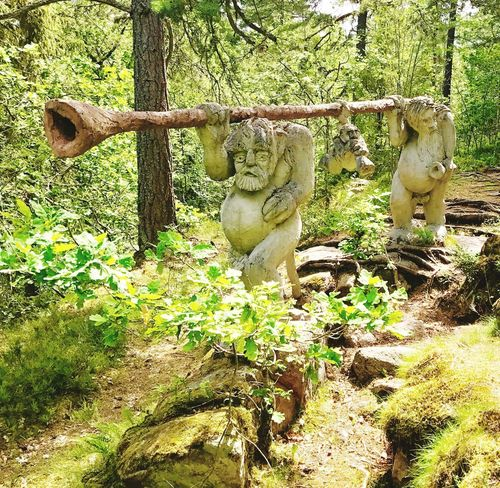 Trolls Forest Sculpture Tree Art Is Everywhere Art Arts Culture And Entertainment Beauty In Nature Built_Structure From My Point Of View Live For The Story EyeEmBestPics Iponeonly Hello World The Great Outdoors - 2017 EyeEm Awards EyeEm Best Shots Summer Green Color Day From Where I Stand Trollskogen Growth Midsummer In Sweden Freshness Let's Go. Together. Perspectives On Nature