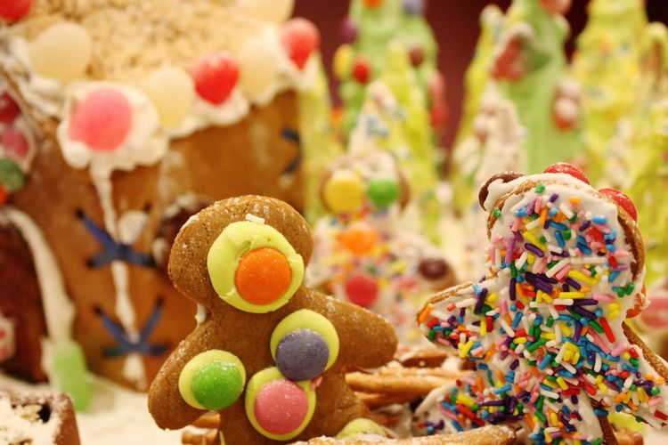 "Christmas Around The World Gingerbread ""Best Friend Forever"" Candy Christmas Hyatt Regency Vancouver Festive Celebrate Holiday Desserts"