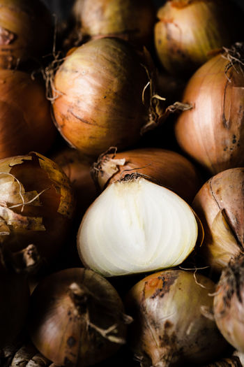 onions close up   daylight food photography Food And Drink Food Healthy Eating Close-up No People Still Life Onion Full Frame Organic Focus On Foreground Large Group Of Objects Selective Focus High Angle View Food Photography Foodphotography Nikonphotography Daylight Photography