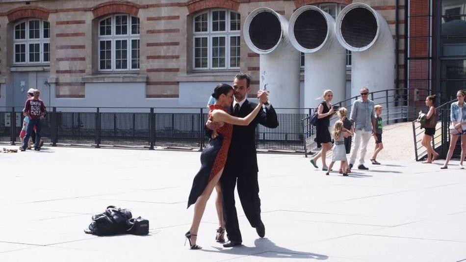 Dacing And Love Dance