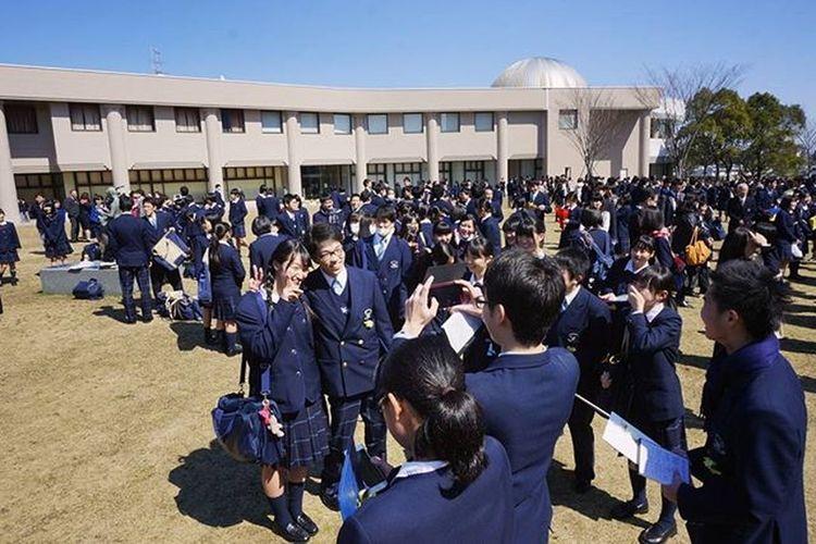 昨日無事、宮崎第一高校を卒業できました。3年間ほんとにたのしかった。 大好きです!! 大学生になれそうです 暇ということが卒業を実感させてくれる いい写真ないなあ Japan Miyazaki Graduation Hjghschool Thx Instagood Team_jp_ F4F L4l 卒業式 さいこーかよ ありがとう Tobecontinued