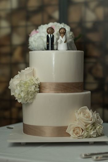 Wedding Wedding Cake Celebration Wedding Cake Event Sweet Sweet Food Bride Flower Dessert Life Events Wedding Cake Figurine Married Baked Newlywed Flowering Plant Food Food And Drink Bridegroom Wedding Ceremony