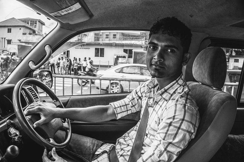 Traveling SriLanka Real People Portrait Ontheroad Blackandwhite Blackandwhite Photography Streetphoto_bw Bw_lover Streetportrait Streetphotography