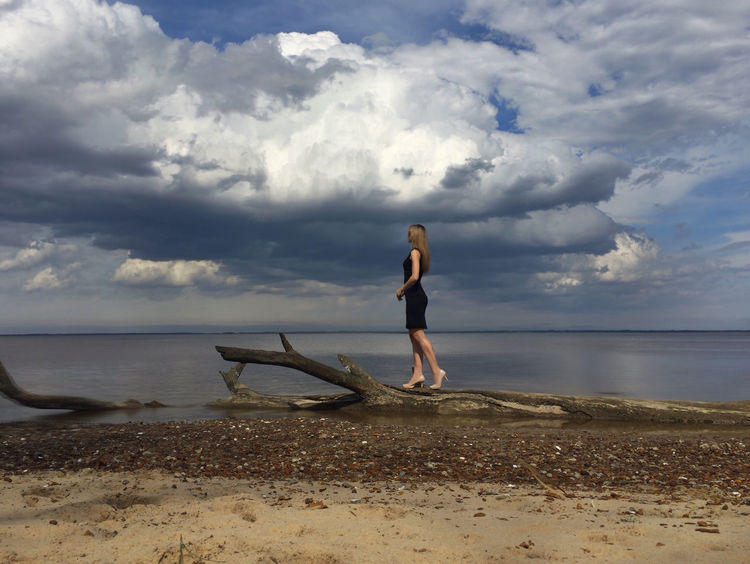 Branches Beach That's Me Enjoying Life Hello World Clouds And Sky The Fashionist - 2015 EyeEm Awards Share Your Adventure The Great Outdoors - 2015 EyeEm Awards The Moment - 2014 EyeEm Awards