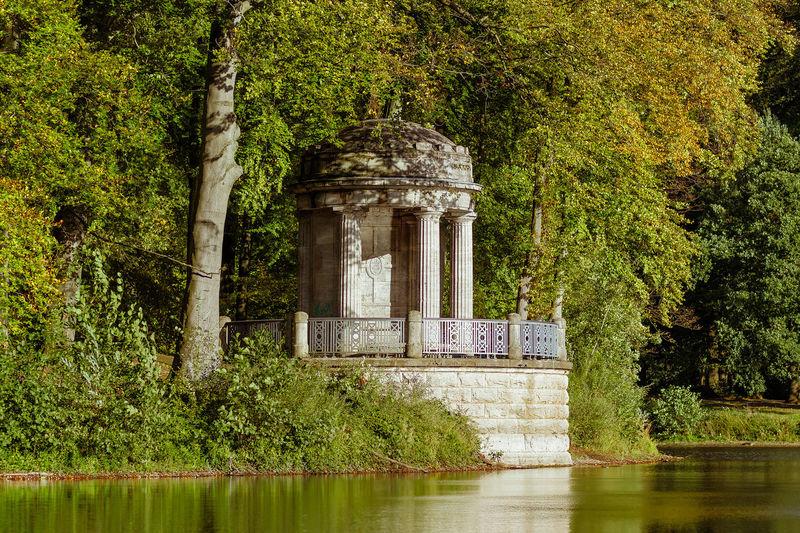 Deußtempel at Stadtwald, Krefeld, built in honor of Wilhelm Deuß in 1913. EyeEmNewHere Krefeld Krefeld,Germany Architecture Beauty In Nature Building Exterior Built Structure History Park EyeEmNewHere