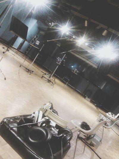 Music Indoors  Arts Culture And Entertainment Stage Light Musical Instrument Estudió Música. Estudio Headphones Music Studio Recording Session Recording Recording Studio Scenics