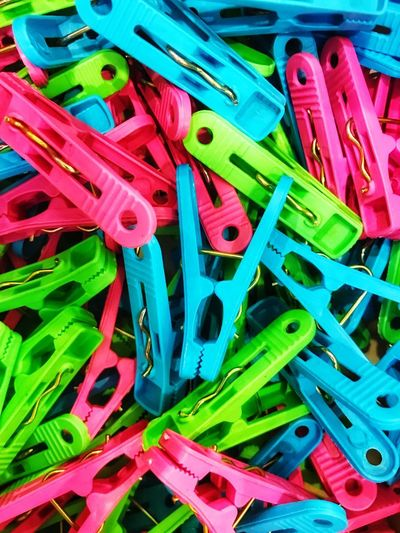 Colorful clothespin background Hang Clothline Close-up Full Frame Multi Colored Still Life High Angle View Close-up Clothespin Clip First Eyeem Photo EyeEmNewHere