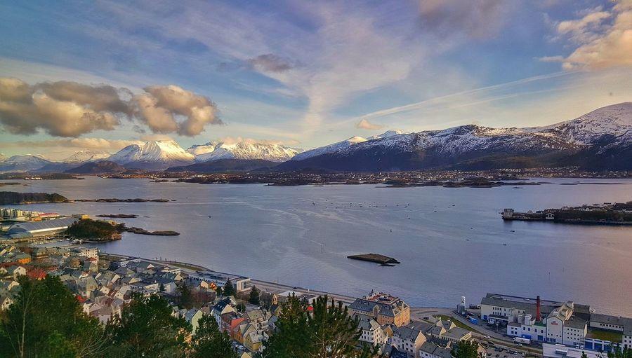 Ålesund, Norway. Nature Scenery Natgeo Highlightsofnorway Globe_travel Earthpix Worldcaptures Sunnmøre Bestofnorway Highlightsnorway Norway
