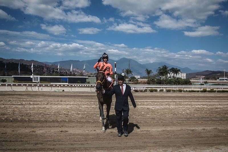 In the middle Sports Photography Horse Caballos Horse Riding