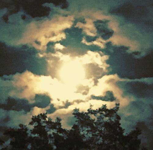 Scenics Tranquility Full Moon Full Moon Night  Sky Cloud - Sky Beauty In Nature Tranquil Scene Outdoors Bright Moon Light Bright Moon Bright Moon 🌕🌚🌝 Night Lights Night Sky Nightsky Nightphotography Night Moonlight Night Moon