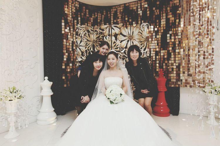 내베프결혼식~:) 다 딴곳보기ㅋ Weddings With My Bestfriend