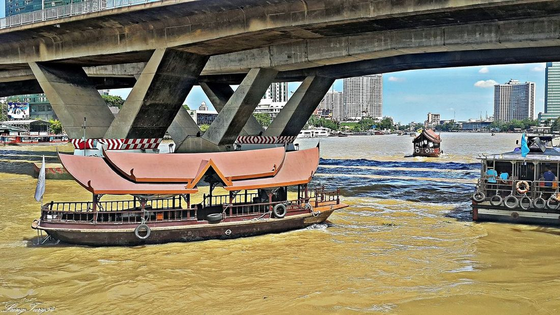 mae nam chao phraya bangkok Bangkok Bridge - Man Made Structure City City Life Famous Place Mae Nam Chao Phraya Bangkok Mode Of Transport Outdoors Taksin Bridge Thailand Tourism Tourist Transportation Water Waterfront