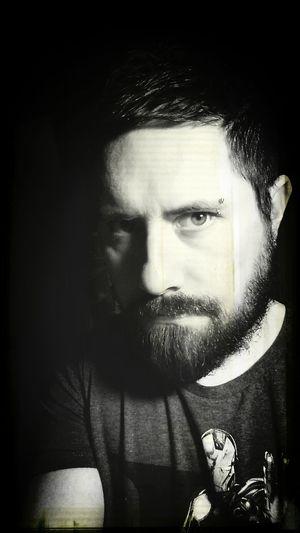Selfie in the black ! That's Me Selfie Self Portrait Beard