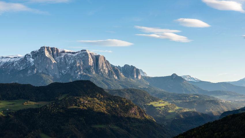 Nachmittag am Schlern Berge Blue Clouds Day Green Hill Himmel Landscape Mountain Nature Non-urban Scene Schlern Sky South Tirol Südtirol Tal Valley nature Quellwolken Q Hiking Nature's Diversities The Great Outdoors - 2016 EyeEm Awards