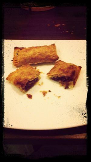 zelf sauzijsenbroodjes gemaakt