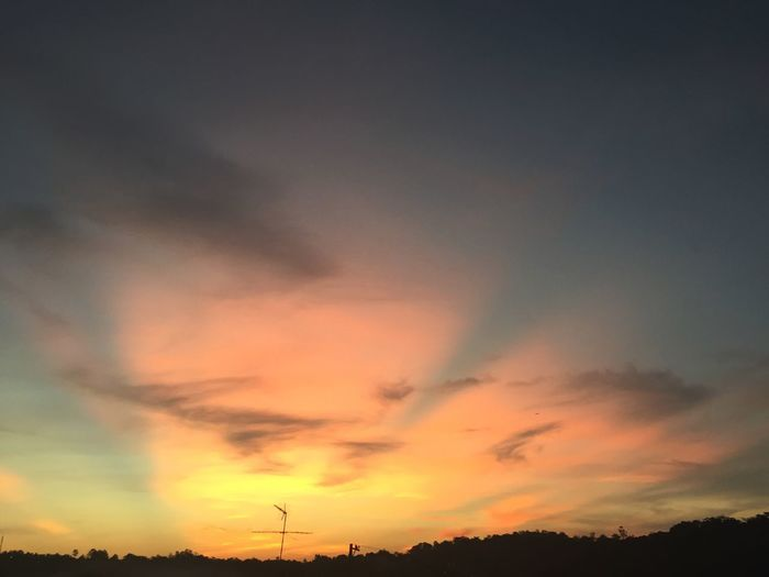 Sunset Sun Sunlight Check This Out Beauty In Nature Sky Cloud Clouds And Sky