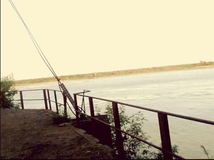 Vista del Rio Paraguay desde la estacion de ANDE Paraguay Tierra Bendita Rioparaguay AmoMiTierra