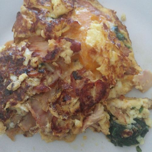 Lunch Turned Into Me Servin' Up A Ridiculously Tasty Omelette (Fresh Spinach Leaves, Smoked Turkey, Onions and 4 Different Cheeses)... GoingInTrust