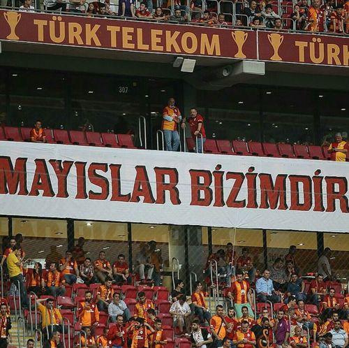 Nasıl ki bu MilletinTacıdır yıldızla ayYüksel ta arşa kadarŞanlı GALATASARAY GalataSaray Galatasaray Cimbom 💛❤️